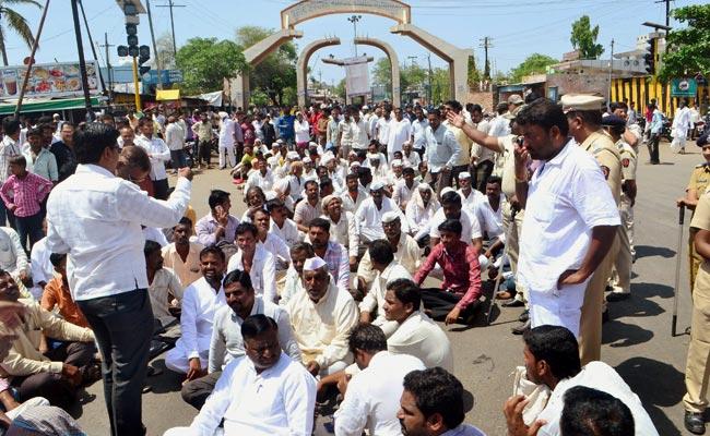 गुजरात : बर्बादी के कगार पर पहुंचे आलू के किसान, सरकार से है मदद की दरकार