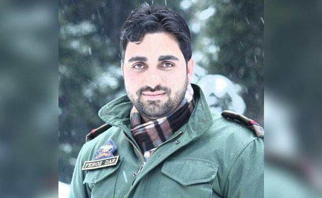 Tearful Farewell To Jammu And Kashmir Cop Feroz Ahmed Dar, Who Spoke Of Death And Peace