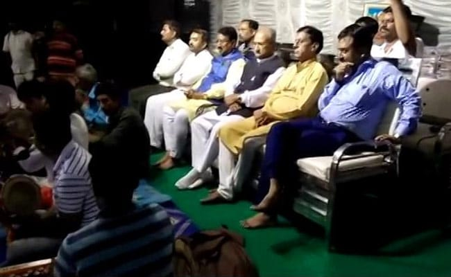 तांत्रिकों के कार्यक्रम में पहुंचे गुजरात के 2 मंत्री, वीडियो हुआ वायरल
