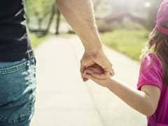 Father's Day Gift: इस फादर्स डे अपने पिता को दें ये गिफ्ट्स और फील कराएं स्पेशल