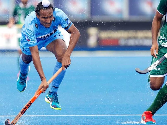 HWL Semi-Final 2017: India Players Wear Black Arm Bands vs Pakistan