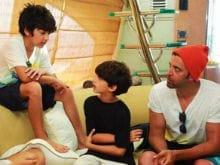 Hrithik Roshan One-Upped By Sons Hrehaan And Hridhaan In Hilarious Dad Moment
