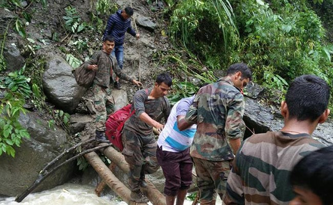 indian army rescues over 200 people 650