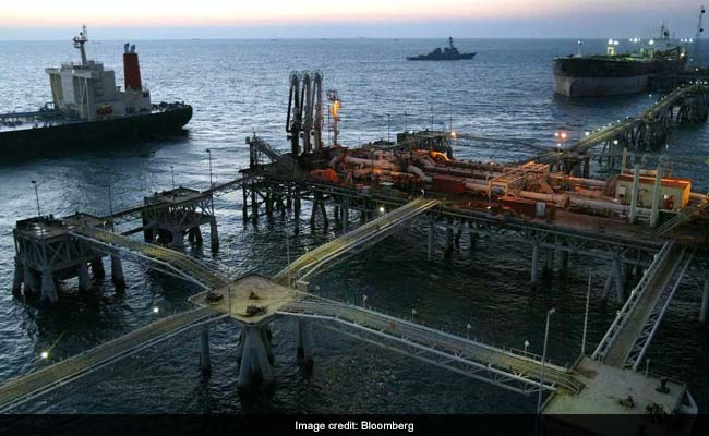 Crude prices fall due to rise of USA crude stocks