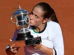 Jelena Ostapenko Stuns Simona Halep To Win French Open