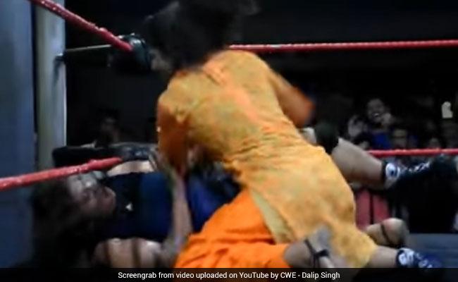 सलवार सूट में ही खली की शिष्या की पिटाई कर चुकी भारतीय लड़की अब WWE में कहर बरपाएगी, Video...