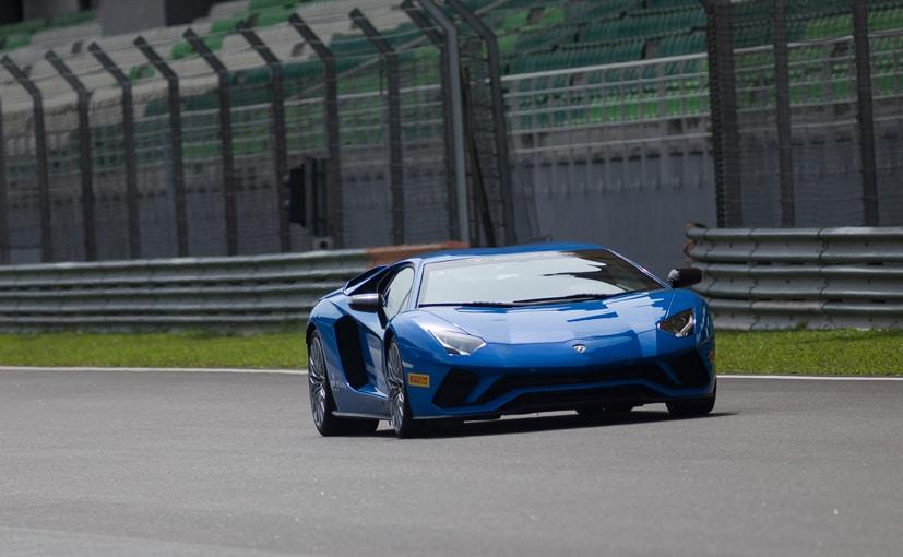 Ordinaire 2017 Lamborghini Aventador S Track Review