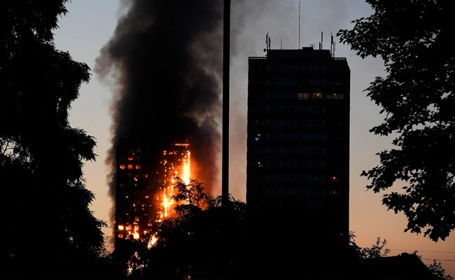 12 Dead 18 Critical After Fire Engulfs London Tower Block