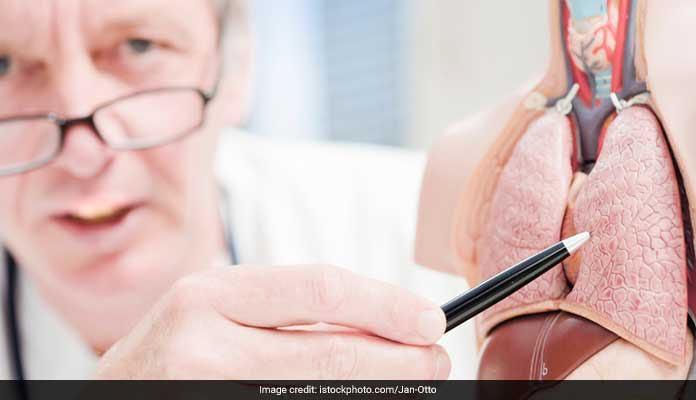 फेफड़ों का कैंसर : सिगरेट और शराब ही नहीं आसपास का वातावरण भी हो सकता है वजह...
