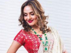 <i>Roja</i> Star Madhoo To Make TV Debut On <i>Aarambh</i>, Based On <i>Baahubali</i>'s Devasena