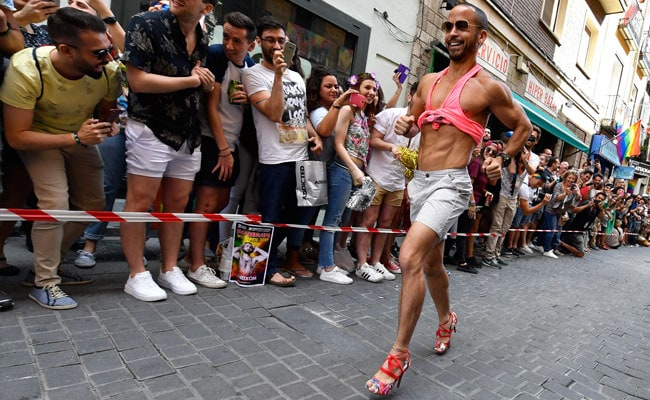 Men Take On The Cobbles In Stilettos In Spain Gay Pride Race