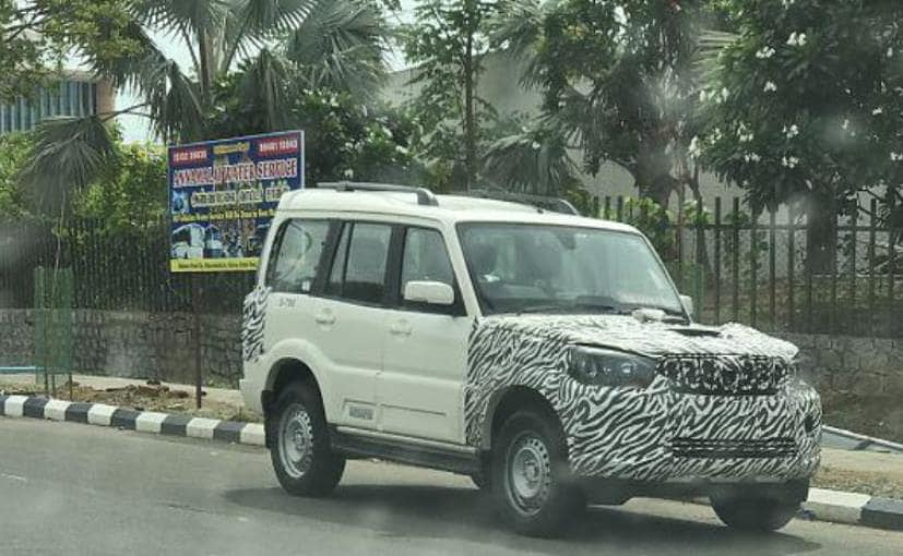 2017 Mahindra Scorpio Facelift Spotted Testing In India