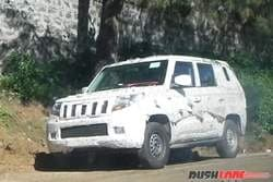 7-Seater Mahindra TUV500 Spotted Testing