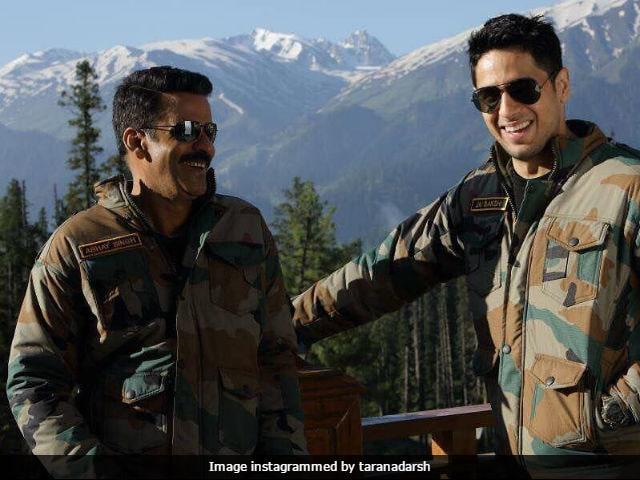 Aiyaary:  Manoj Bajpayee Completes Kashmir Shooting Schedule