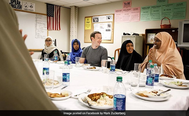 Photo Of Mark Zuckerberg Dining With Refugees Is Viral. But There's More To It