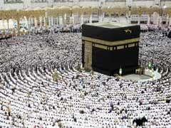 'No Fear': Pilgrims In Saudi Arabia Defy Coronavirus Risks