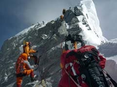 Nepal Stops All Mount  Everest Expeditions Due To Coronavirus