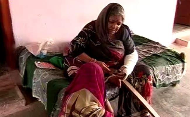 किसान आंदोलन के दौरान 80 साल की बुजुर्ग महिला से पुलिस की बदसलूकी