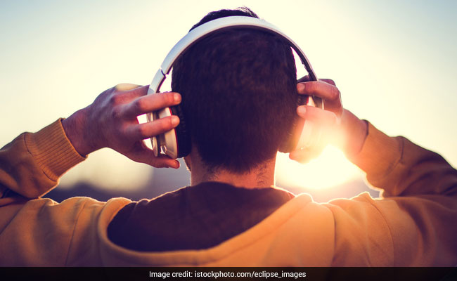 Listening To Music In Groups Can Alleviate Depression; Here