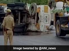 Nearly 5,000 Litres Petrol Spill After Oil Tanker Overturns In Delhi's Moolchand Underpass, 2 Injured