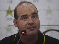 चैम्पियन्स ट्रॉफी में जीत से पाकिस्तान क्रिकेट को बहुत फायदा होगा : कोच मिकी आर्थर