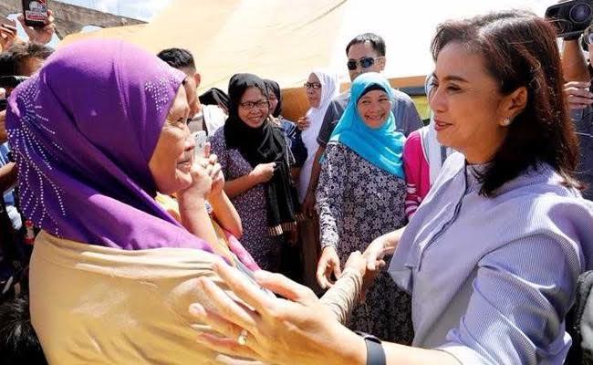 Philippines Vice President Leni Robredo Visits Refugees Fleeing Fighting