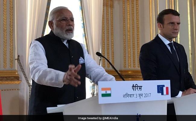 PM Narendra Modi Tells French President Emmanuel Macron India Will 'Go Beyond' Paris Climate Accord