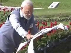 PM Narendra Modi Pays Tribute To World War II Victims In St Petersburg