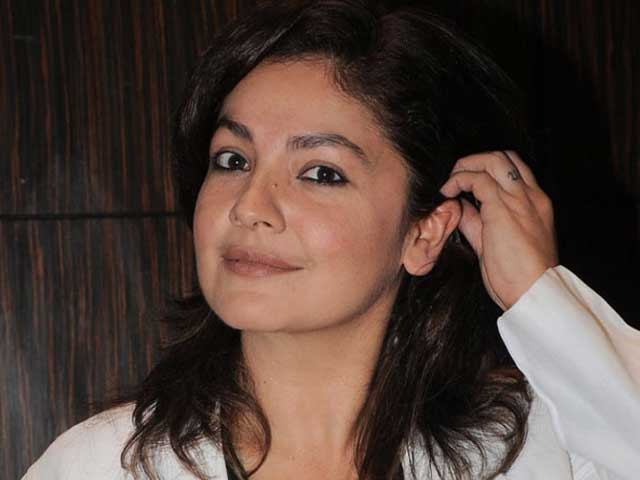 Pooja Bhatt Returns To Acting As An Alcoholic Cop. What A 'Joke,' She Says