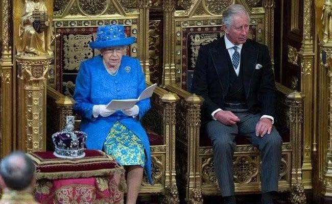 British Queen Elizabeth's Hat: An 'Anti-Brexit' Message?
