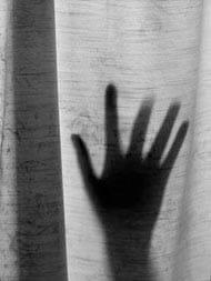 सोशल मीडिया पर हुई जान-पहचान, दोस्तों के साथ मिलकर किया सामूहिक बलात्कार