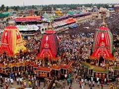 पुरी में भगवान जगन्नाथ की रथयात्रा में उमड़े लाखों श्रद्धालु