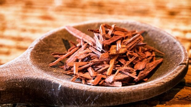 5 Amazing Benefits Of Putting Chandan (Sandalwood) On Your Forehead