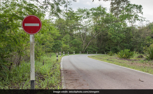 Students Block Mizoram Highway After Doctor Transferred From District Hospital