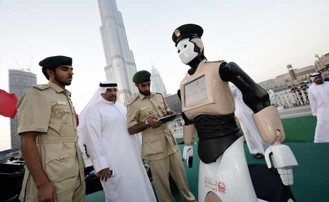 Crime-Fighting 'Robocop' To Patrol Dubai's Busy Streets