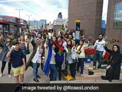 British Muslims Offer 3,000 Roses To Passersby At London Bridge After Recent Attacks