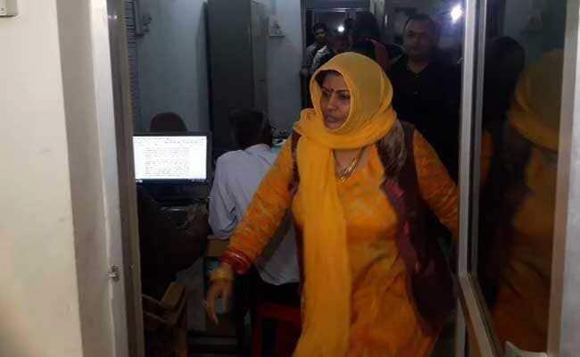 मसाज कराई, बाहुबली 2 देखी और पुलिस की गिरफ्त से फरार हो गई साध्वी जयश्री गिरी