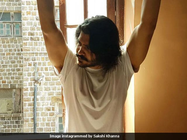 Vinod Khanna's Son Sakshi's Bollywood Debut Delayed. Here's Why
