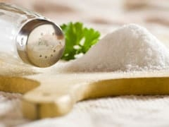 7 Genius Tricks to Prevent Salt From Clumping and Becoming Damp