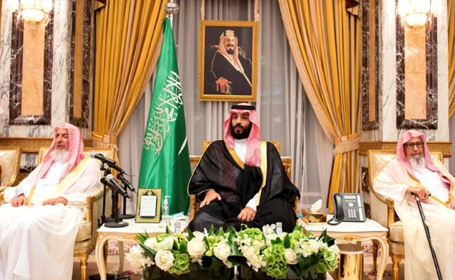 Qatar Ruler Phones Saudi Crown Prince About Starting Talks: Reports