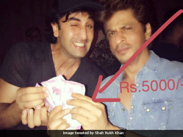 Jab Harry Met Sejal: Shah Rukh Khan Gives Up. Pays Ranbir Kapoor Rs 5,000 For Film's Title