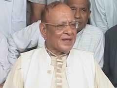 विवादों के बीच गुजरात में कांग्रेस ने सभी मौजूदा विधायकों को टिकट देने की घोषणा की