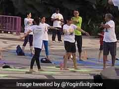 अंतरराष्ट्रीय योग दिवस 2017 : मुंबई पुलिस ने दिया नया आसन यातायात 'अनुशासन'