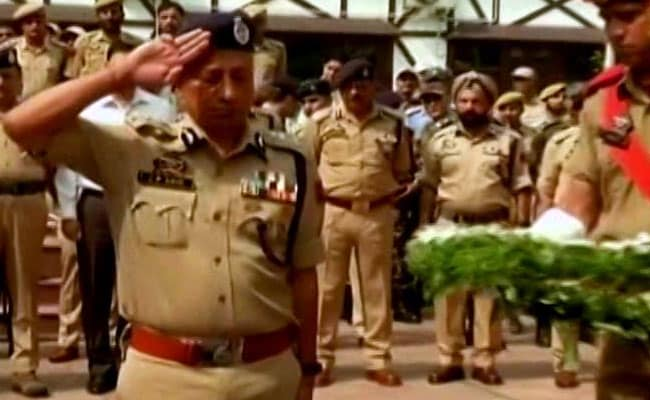 Kashmir Politicians Skip Ceremony To Pay Respects To Fallen Policemen