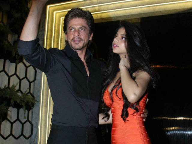 What Gauri Khan Says About Suhana's Look From The Restaurant Launch