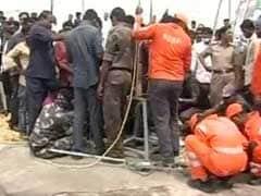 तेलंगानाः बोरवेल में गिरी बच्ची को बचाने का अभियान जारी, 36 घंटे बाद भी नहीं मिला सुराग