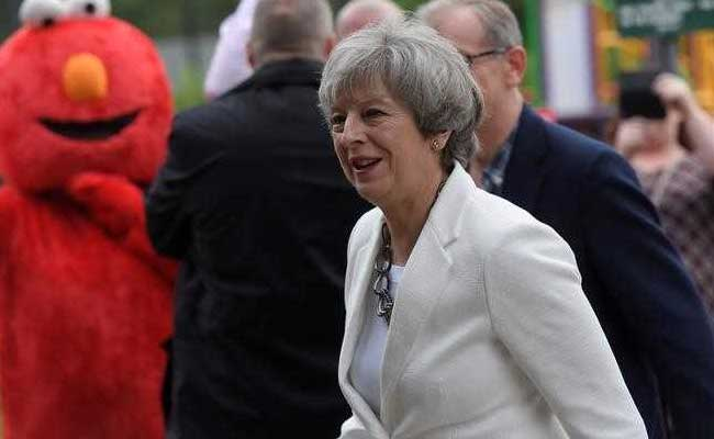 Final UK Opinion Poll Shows PM Theresa May's Conservative Party's Lead Widening