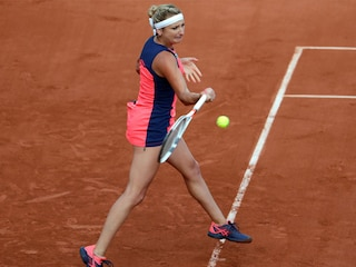 French Open: Timea Bacsinszky, Jelena Ostapenko In Semis; Rain Pushes Mens Matches To Wednesday