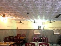 Velu Military Hotel: Feast on Chettinad Food at This Iconic Chennai Eatery