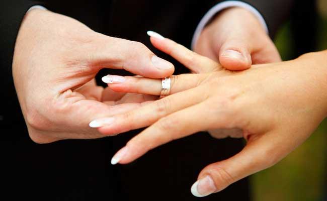 नोएडा के उद्योगपति ने पहली पत्नी के रहते दुबई में रूसी महिला से रचाई शादी, मुकदमा दर्ज
